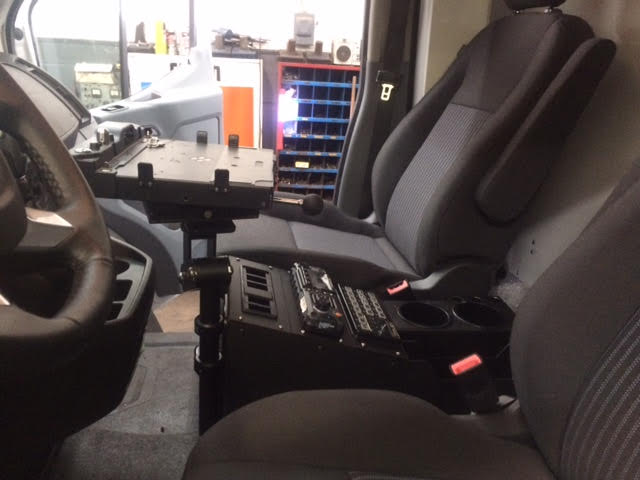 VLM-08 Vehicle Computer Mount in Ambulance, console sideview - Rossbro - Québec, Canada